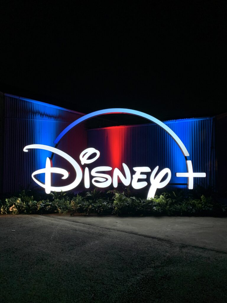 Festival-Disney-Plus-Drive-in-16-768x1024 Disney divulga fotos da 1ª noite do Festival Disney+ Drive-in