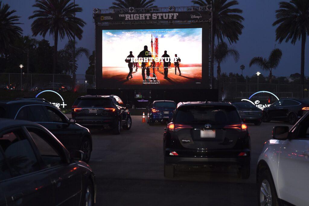 Festival-Disney-Plus-Drive-in-9-1-1024x682 Disney divulga fotos da 1ª noite do Festival Disney+ Drive-in
