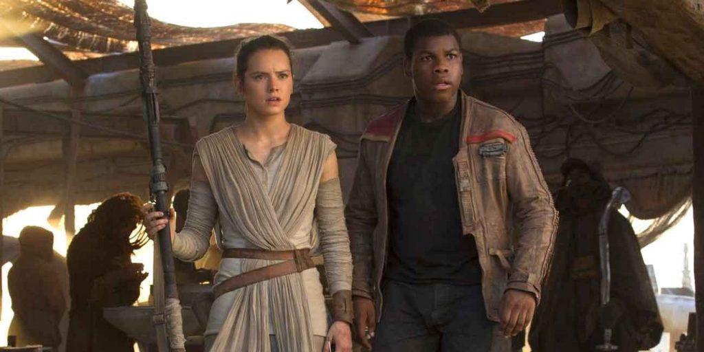 Rey-E-Finn-1024x512 Star Wars: Autor Diz Que Precisou Retirar Romance Entre Rey e Finn
