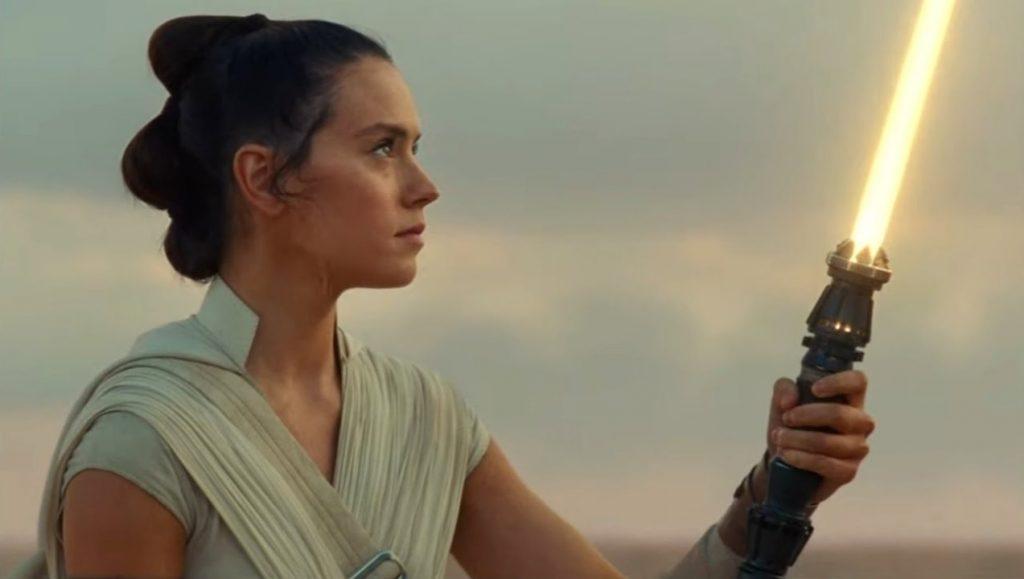 Rey-Sabre-de-Luz-Amarela-1-1024x579 Star Wars: Sabre de Luz de Rey Pode Ser Mais Perigoso do que Você Imagina
