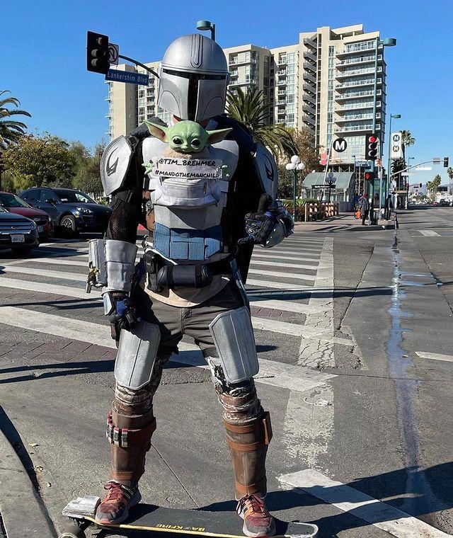 The-Mandalorian-Skate Um Mandaloriano Está Fazendo Sucesso Pelas Ruas de Los Angeles