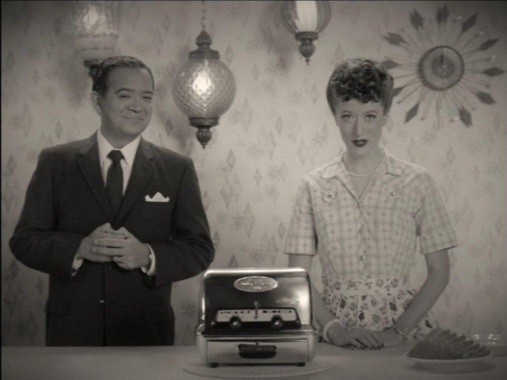 WandaVision-Torradeira-Propaganda-1024x769 WandaVision: Episódio 4 vai Responder Alguns Mistérios, diz Elizabeth Olsen