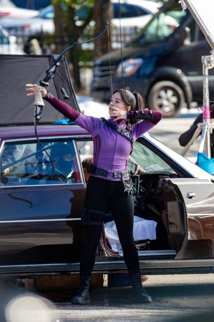 Hawkeye-Gaviao-Arqueiro-Set-de-Filmagem-15-1-683x1024 Gavião Arqueiro: Mais de 30 Novas Fotos e Vídeos do Set de Filmagem de 'Hawkeye'