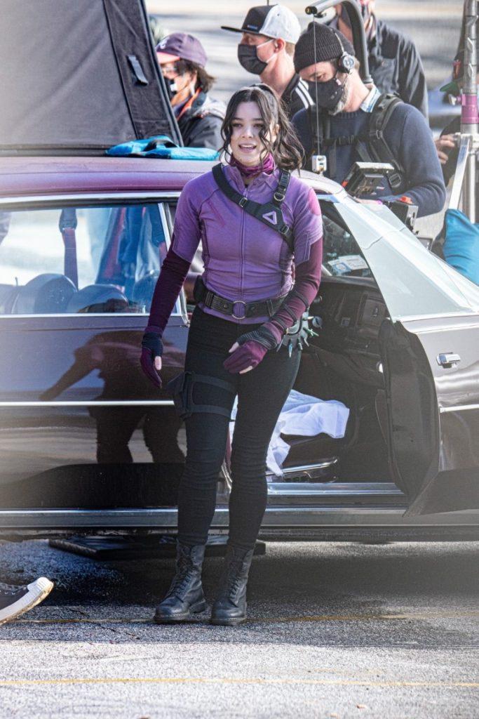 Hawkeye-Gaviao-Arqueiro-Set-de-Filmagem-17-1-683x1024 Gavião Arqueiro: Mais de 30 Novas Fotos e Vídeos do Set de Filmagem de 'Hawkeye'