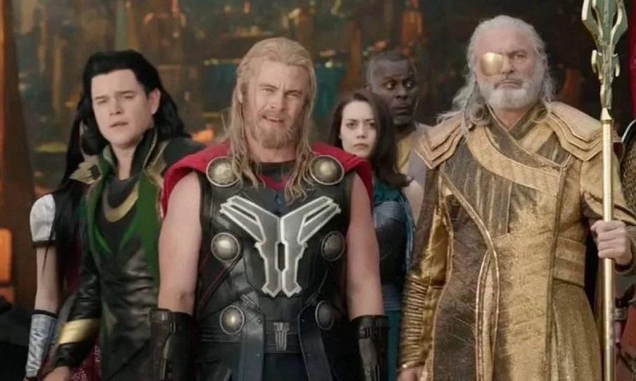 Luke-Hemsworth-em-Thor-Ragnarok Você Sabia? Parentescos inusitados nos Filmes e Séries da Marvel