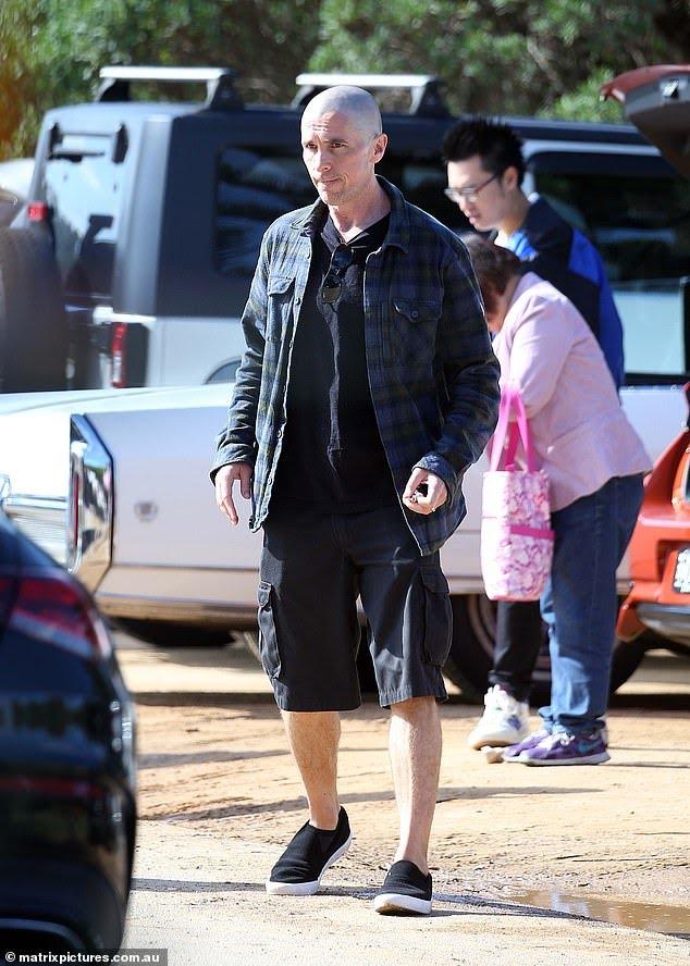 Christian-Bale-Careca-1 Christian Bale Aparece Careca em Bastidores de Thor: Amor e Trovão