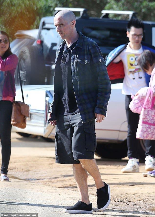 Christian-Bale-Careca-2 Christian Bale Aparece Careca em Bastidores de Thor: Amor e Trovão