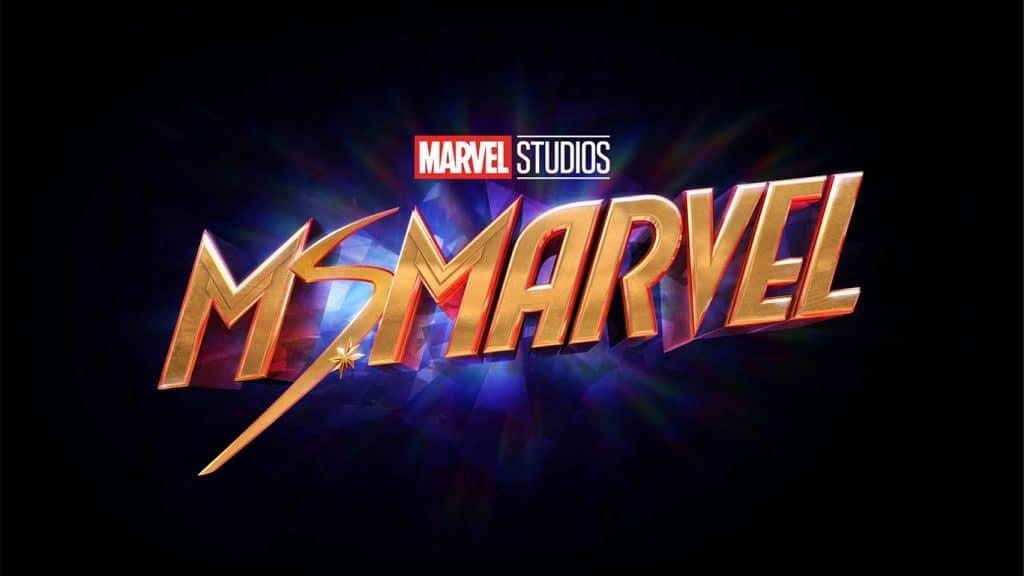 Ms.-Marvel-Logo-1024x576 Calendário de Filmes e Séries Marvel em 2021, 2022 e 2023 - Atualizado