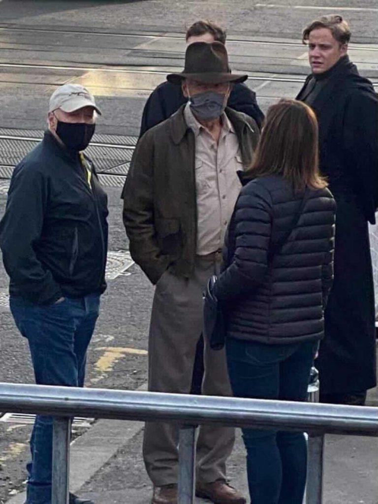 Indiana-Jones-Harrison-Ford-2-768x1024 Indiana Jones 5: Imagens do set revelam visual de Harrison Ford para o filme
