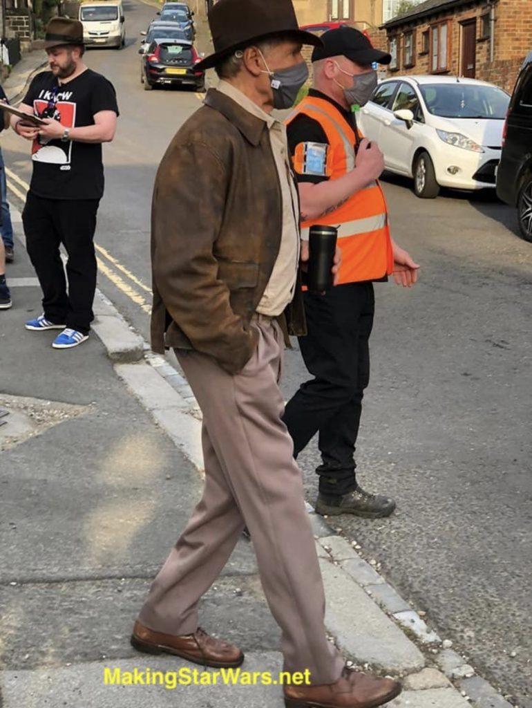 Indiana-Jones-Harrison-Ford-5-770x1024 Indiana Jones 5: Imagens do set revelam visual de Harrison Ford para o filme