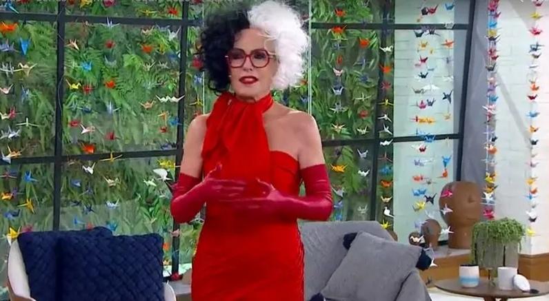 image-75 Ana Maria Braga aparece vestida de Cruella para apresentar o Mais Você