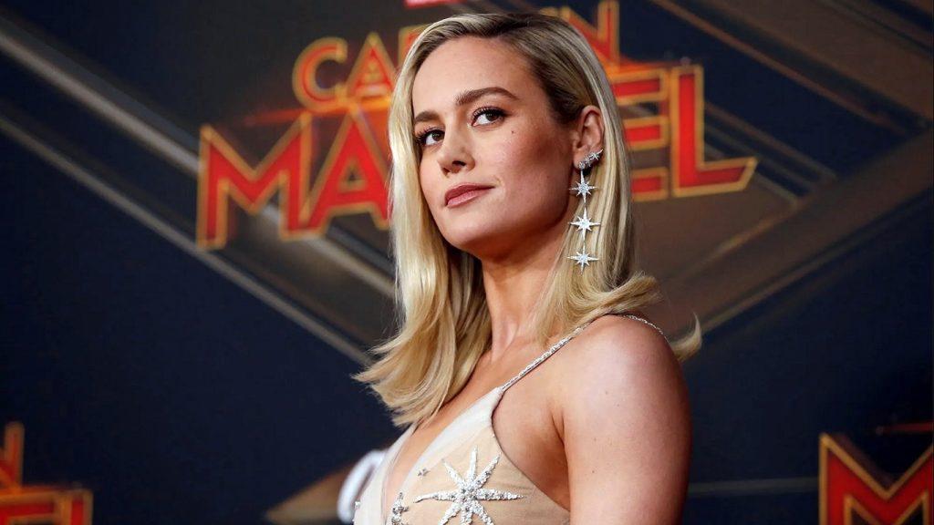 Brie-Larson-abdomen-1024x576 Capitã Marvel: Brie Larson mostra abdômen trincado e deixa os fãs sem palavras